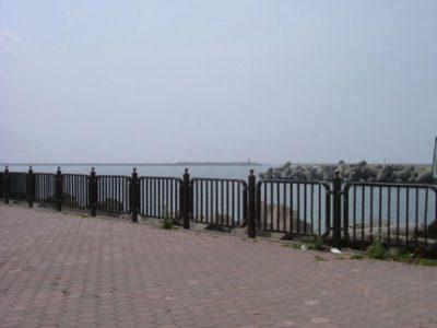 旧フェリー埠頭:アテナ像